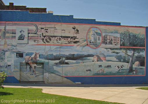 Mural on building in Frankfort Indiana