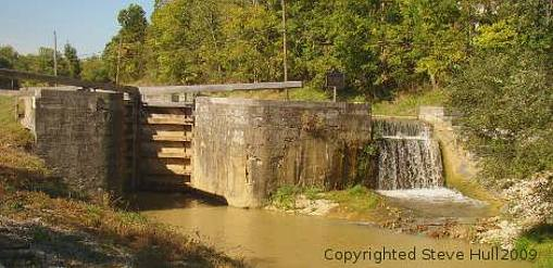 Canal lock and spillway