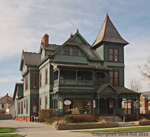 Queen Anne house in Noblesville Indiana