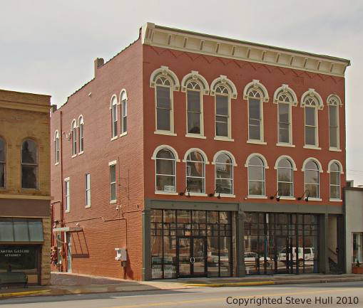 Italianate commercial building in Noblesville Indiana