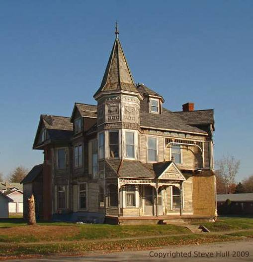 Queen Anne house in Knightstown Indiana