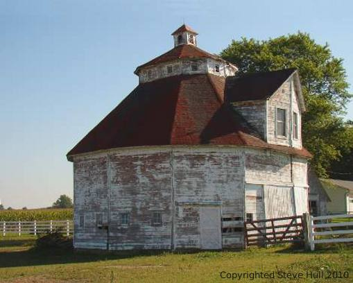 Octagonal barn in Shelby county Indiana